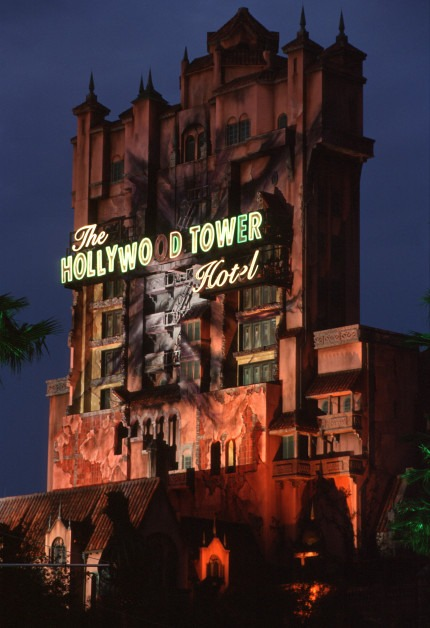 Cast Member Punched In Face Because Guests Didn't Have FastPass For Tower of Terror 1