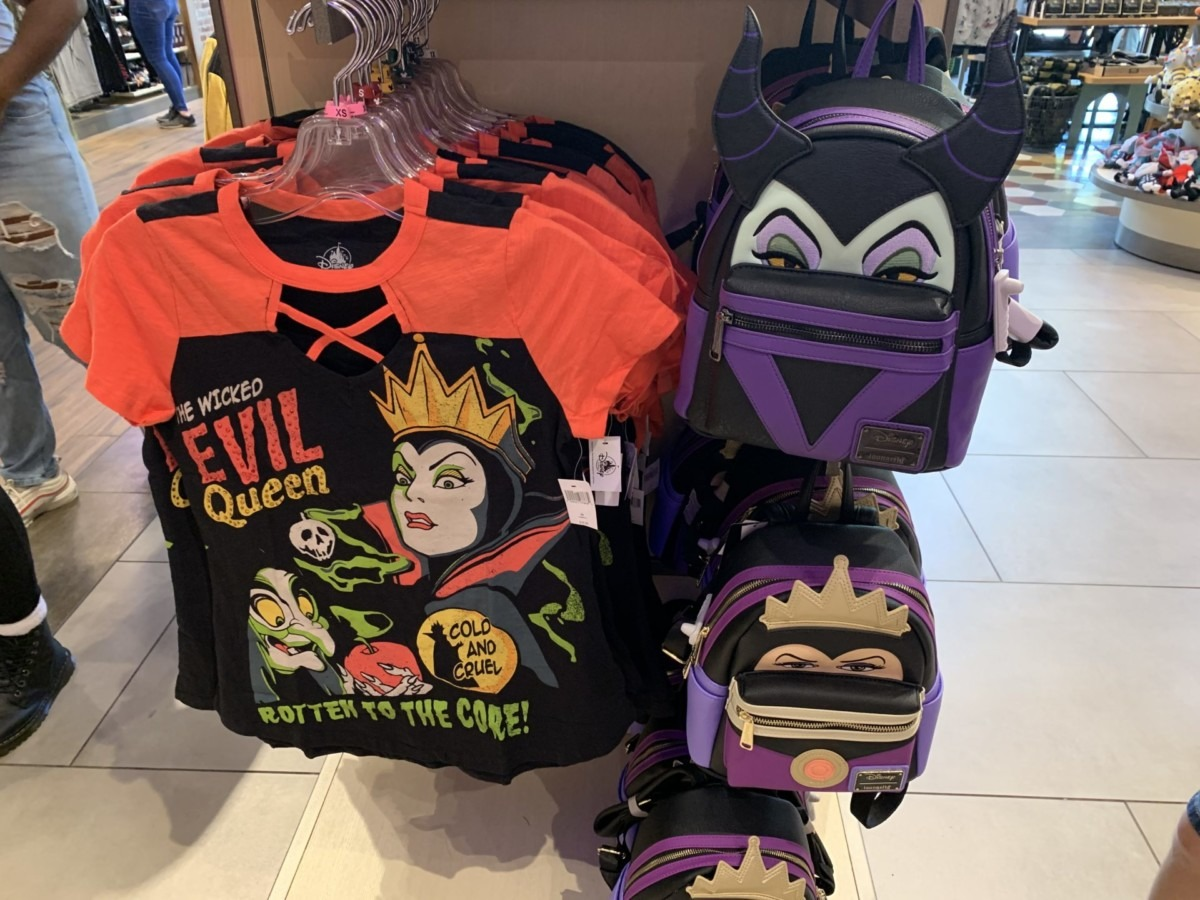 Disney Villains Attire Perfect for the Season 1
