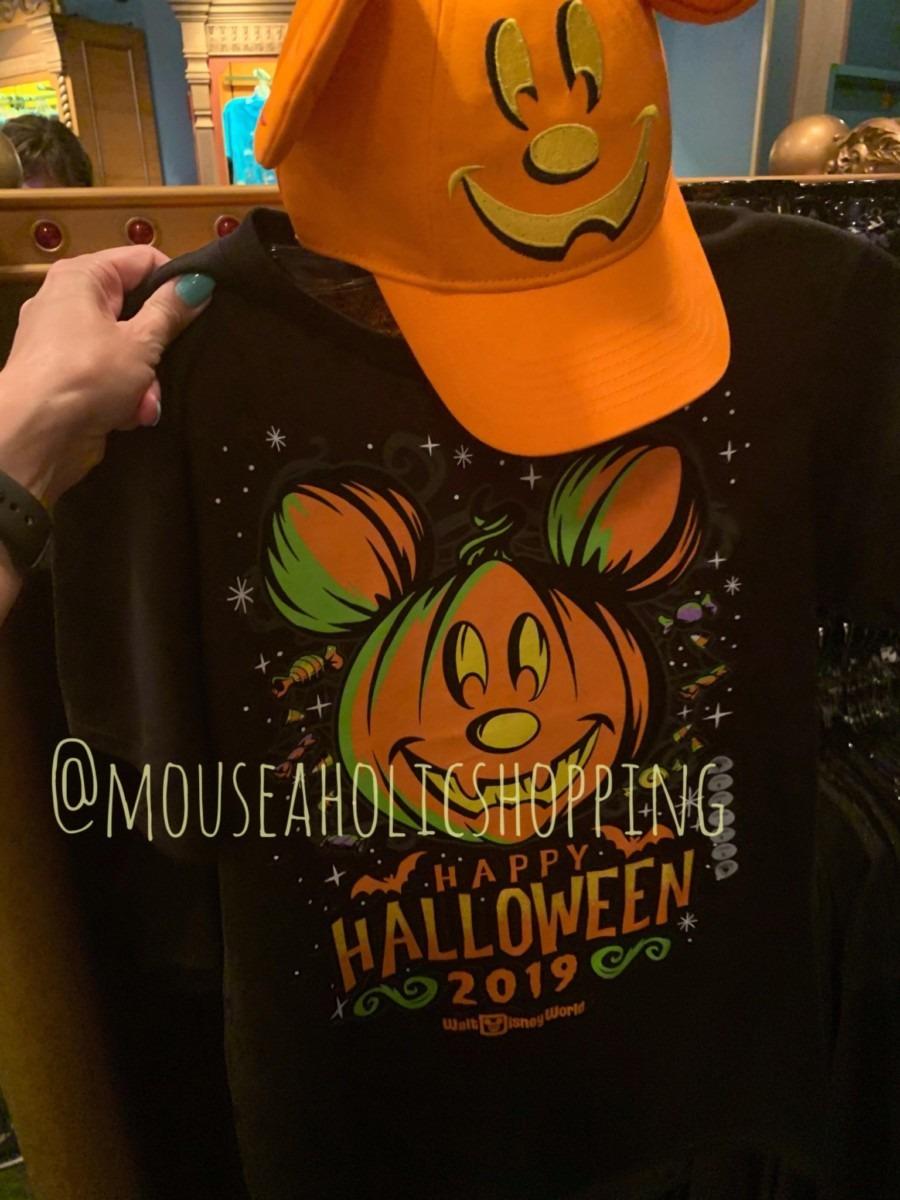 NEW Halloween Merch at Walt Disney World! Boo to You! 8