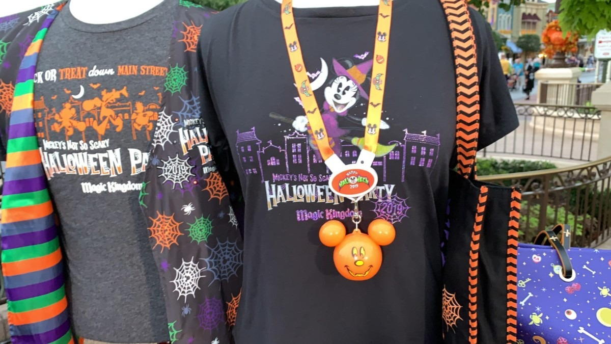 Mickey's Not So Scary Halloween Party Merchandise Overview With Steven Miller! #notsoscary 1