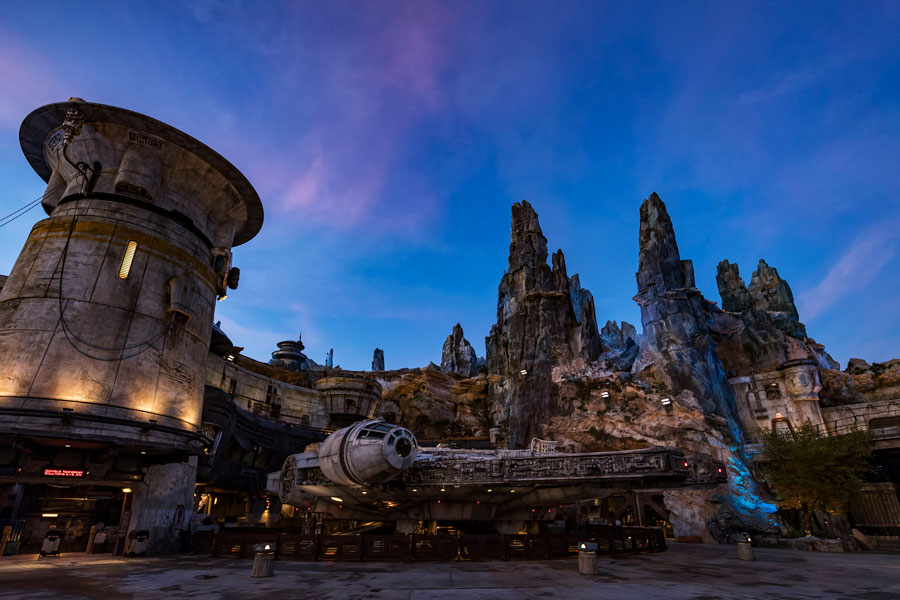 Star Wars: Galaxy's Edge at night