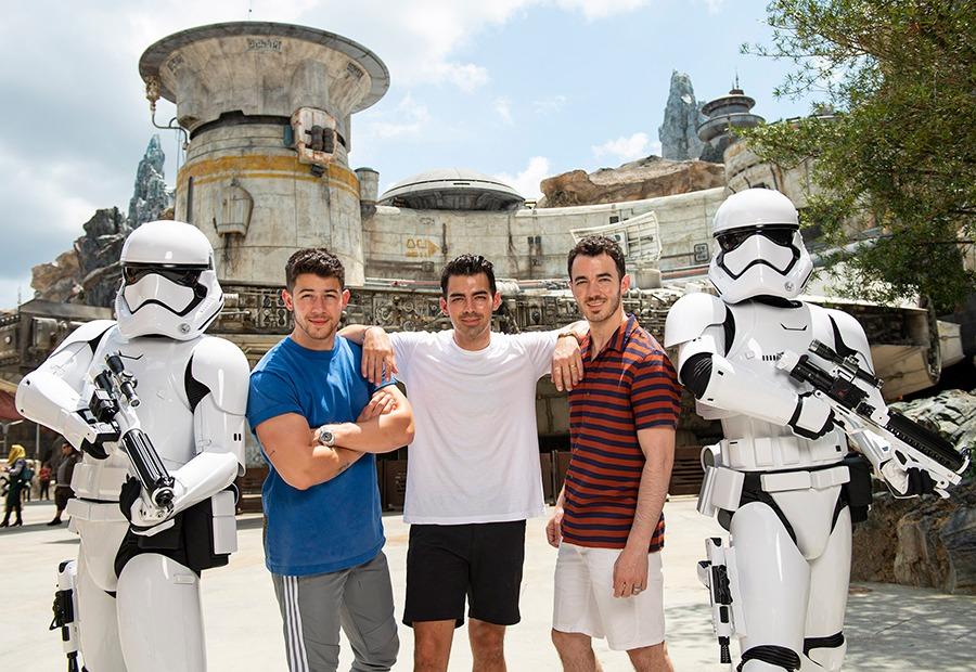Jonas Brothers visit Star Wars: Galaxy's Edge at Walt Disney World