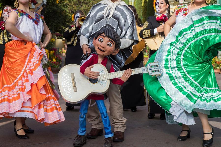 Plaza de la Familia at Disney California Adventure