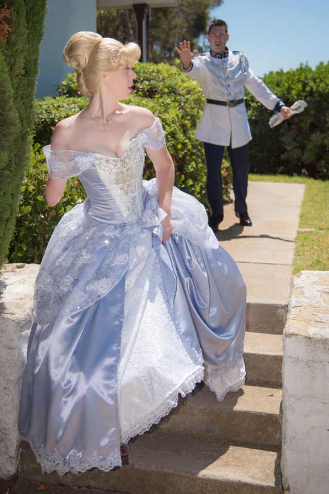 Woman with glass arm dresses as Cinderella to show children differences be beautiful 2
