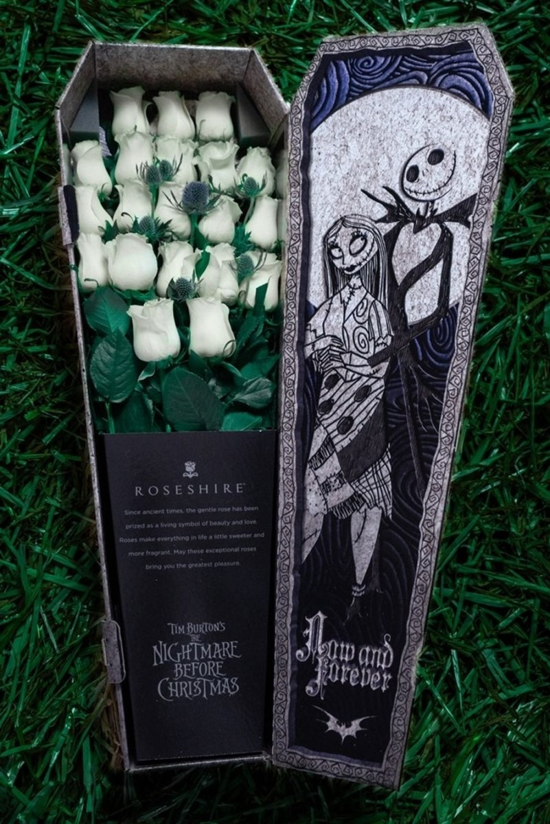 This 'Nightmare Before Christmas'-Themed Rose Bouquet Comes In A Tiny Coffin 4