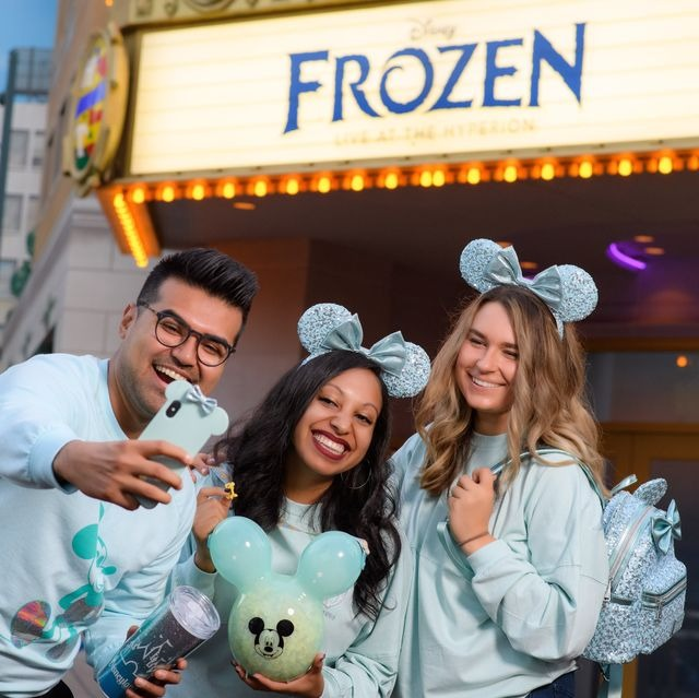 Disney's 'Frozen'-Inspired Arendelle Aqua Color Collection Is Coming To ALL Disney Parks 1