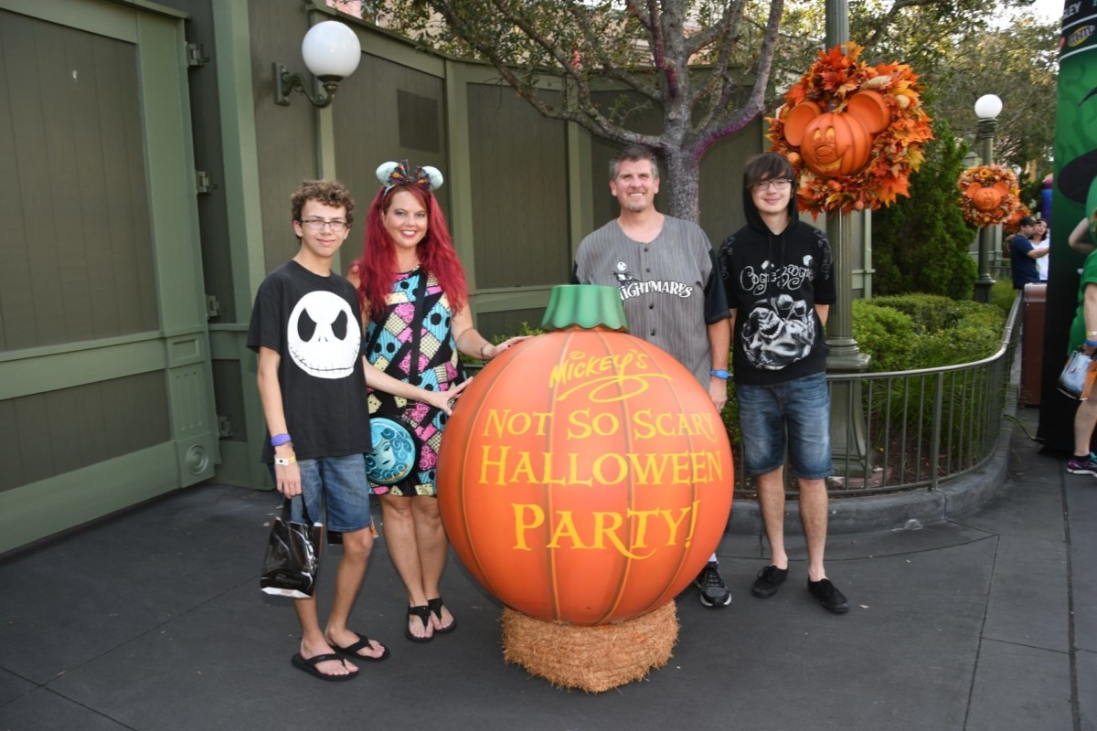 TMSM's Adventures in Florida Living- Not So Scary vs HHN 2