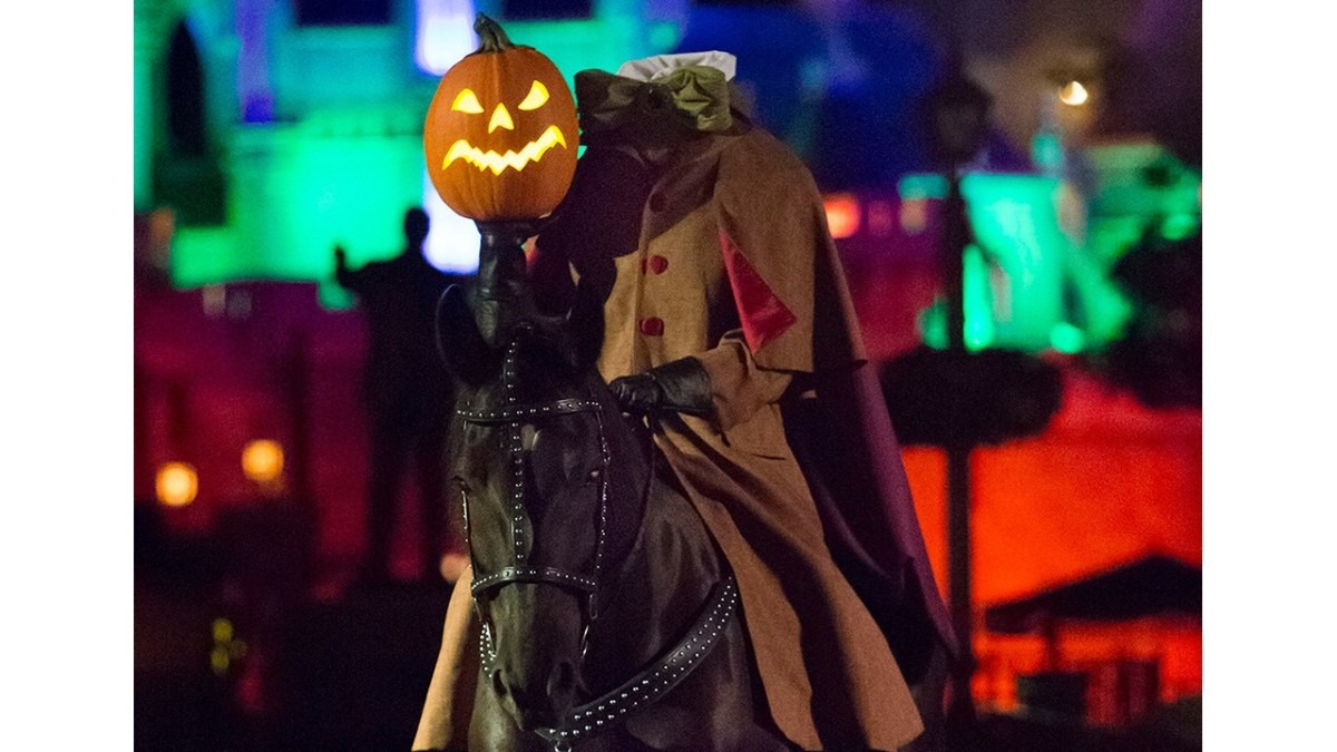 Top 5 Things To Do At Mickey's Not-So-Scary Halloween Party 6