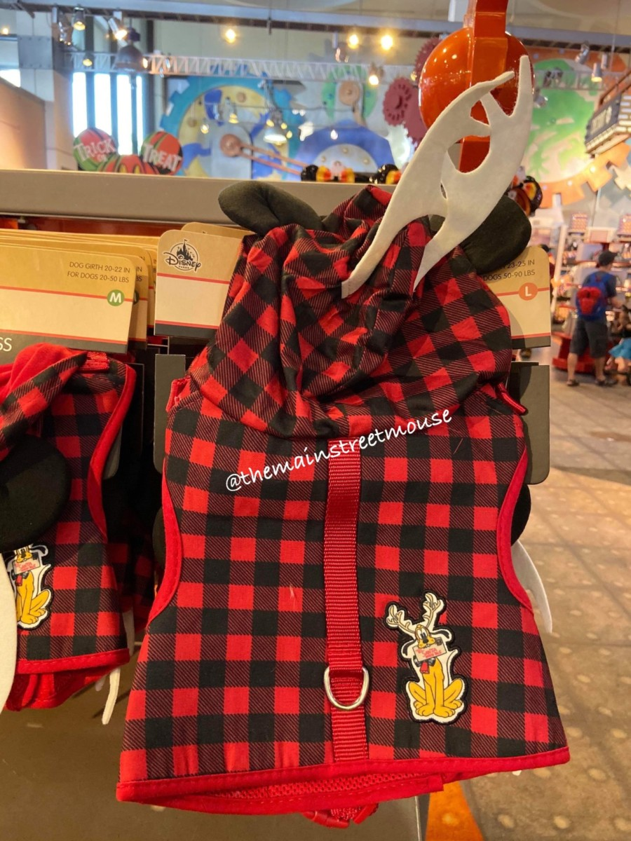 Disney Christmas Apparel for your Pets! #DisneyStyle 2