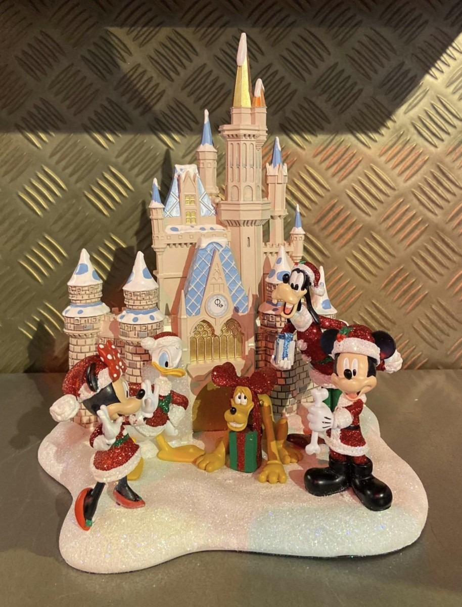 Disney Holiday Decor and More! #disneyholidays 3