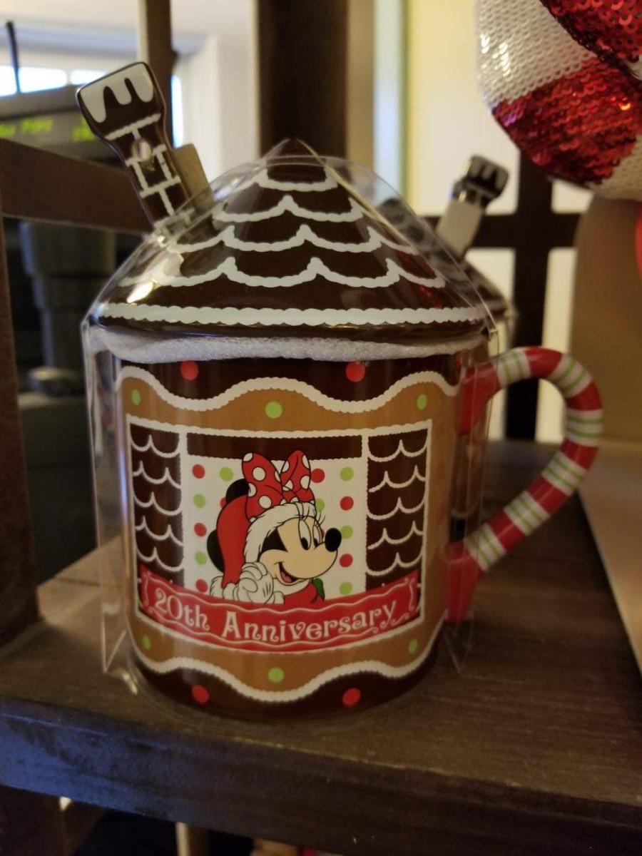 The Gingerbread Christmas Display at Disney's Beach Club Resort! 10