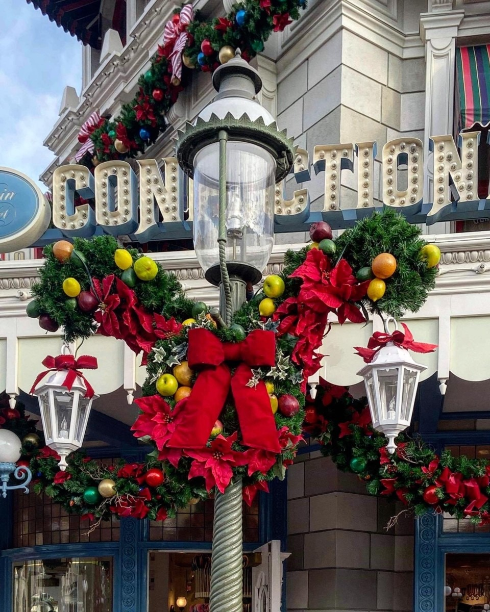 Christmas is Here at Disney's Magic Kingdom! #disneyholidays 1