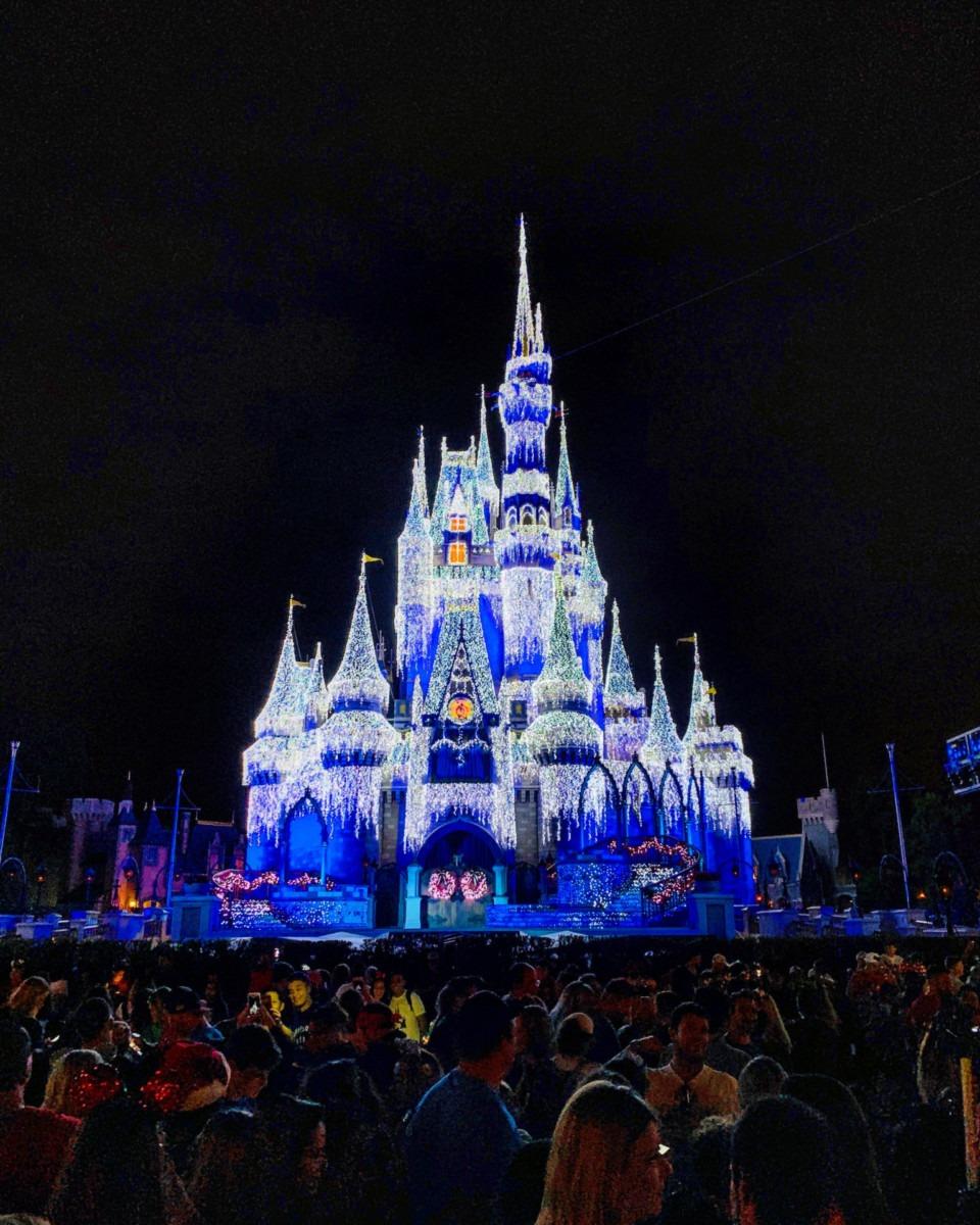 Christmas at the Magic Kingdom! #disneyholidays 1