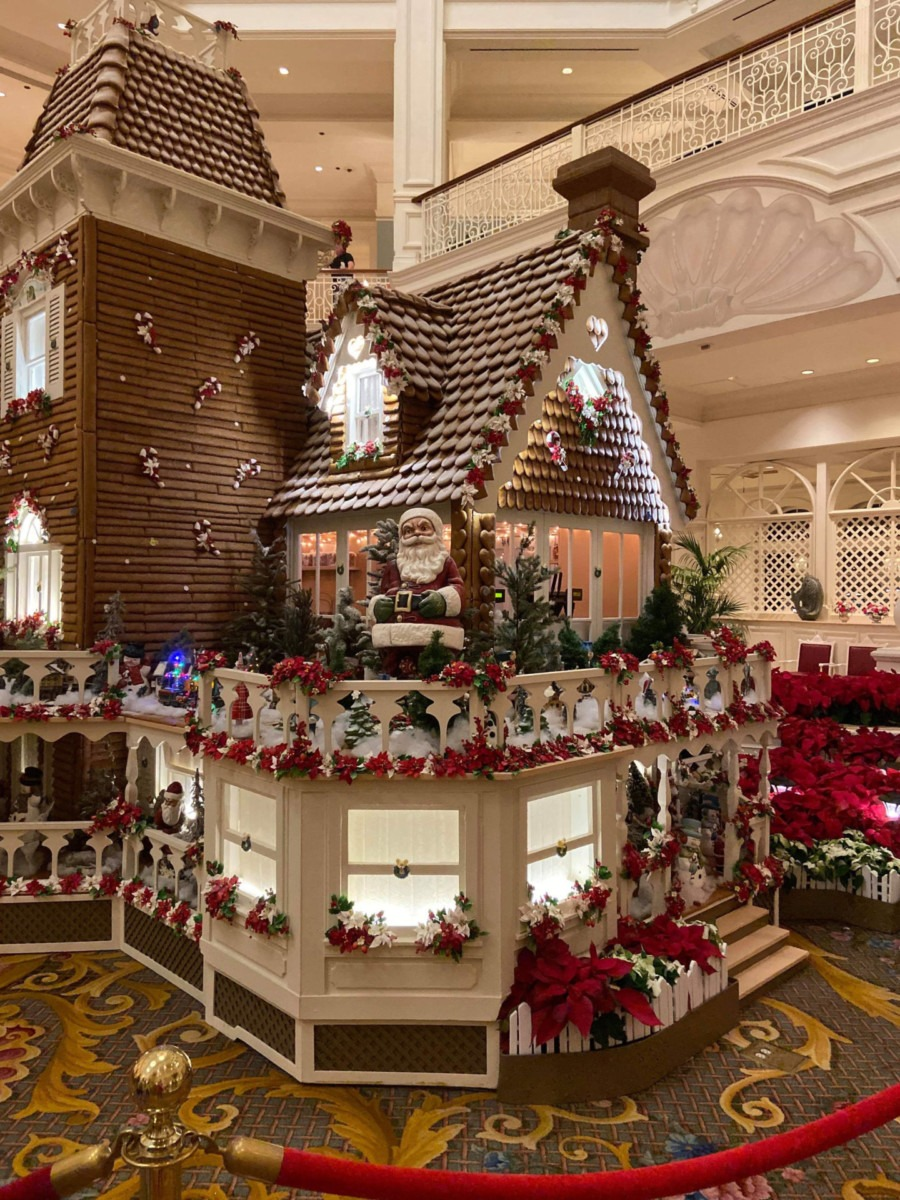 See Photos of the Gingerbread House at Disney's Grand Floridian Resort! #disneyholidays 6