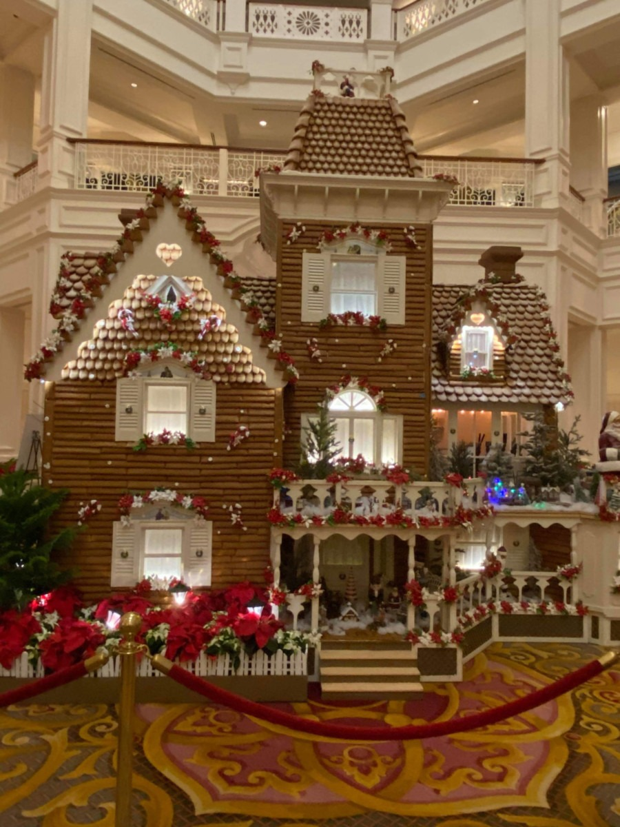 See Photos of the Gingerbread House at Disney's Grand Floridian Resort! #disneyholidays 1