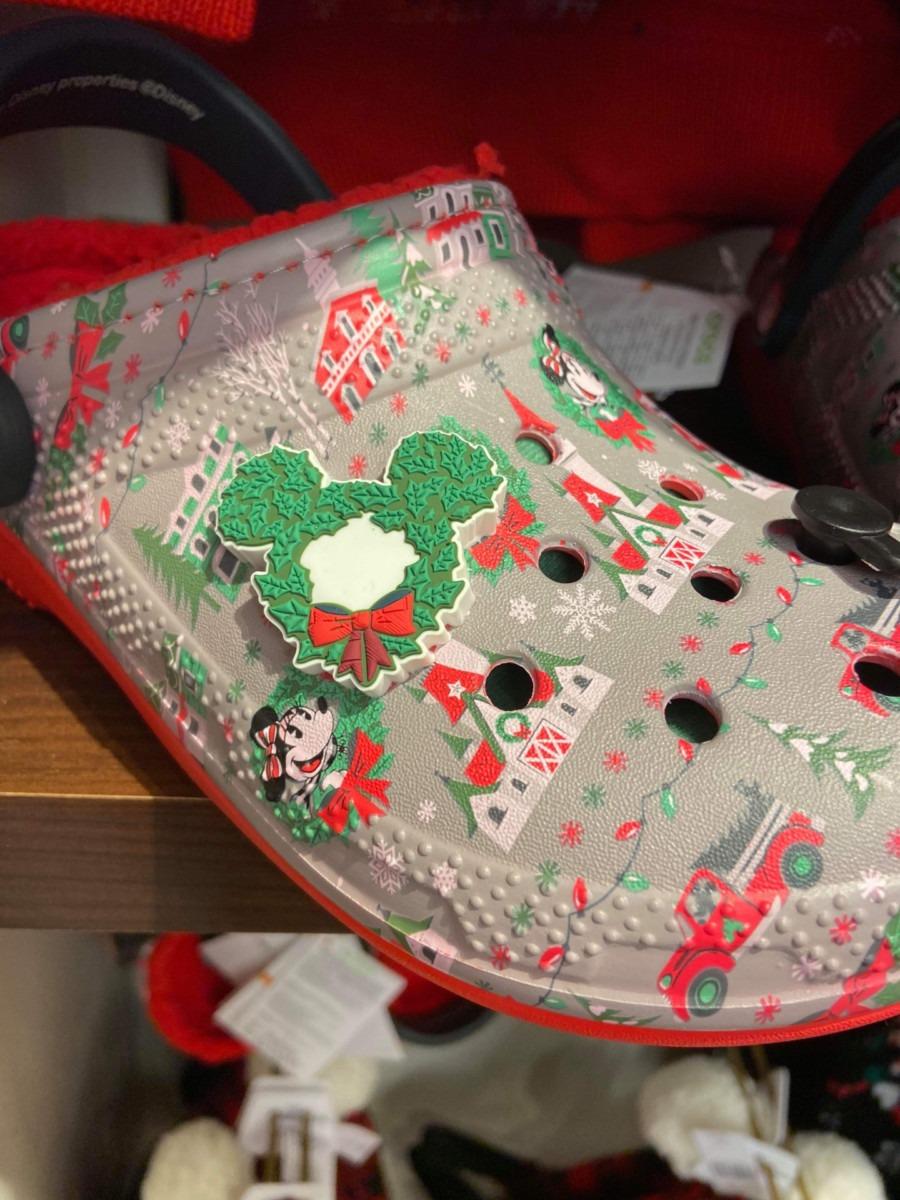 Disney Christmas Crocs? Oh Yes! #DisneyHolidays 1