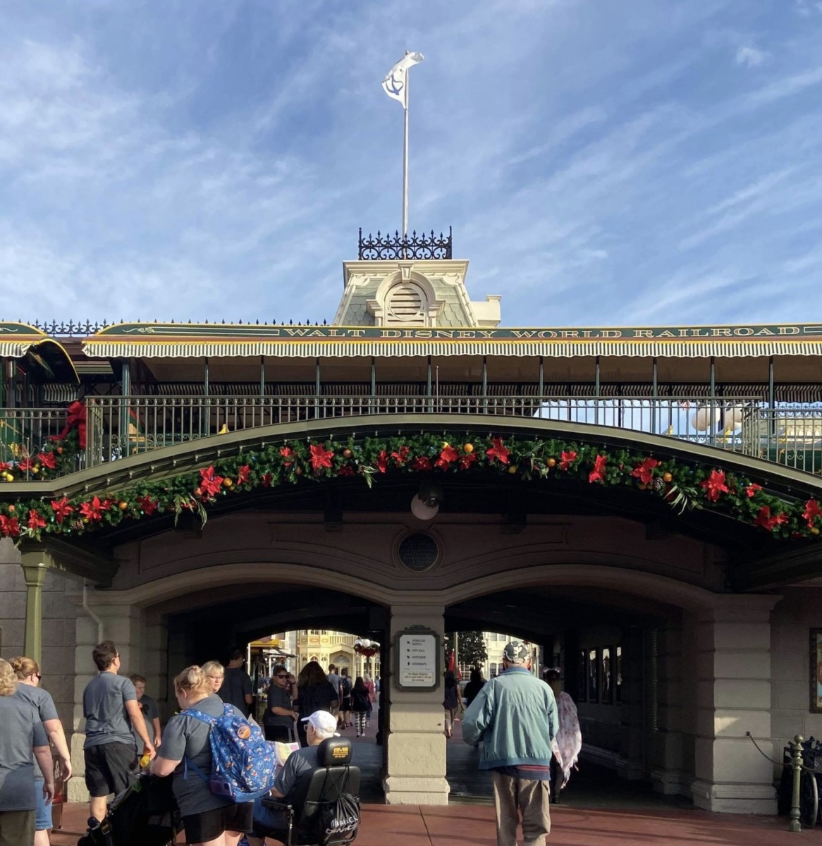Christmas is Here at Disney's Magic Kingdom! #disneyholidays 2