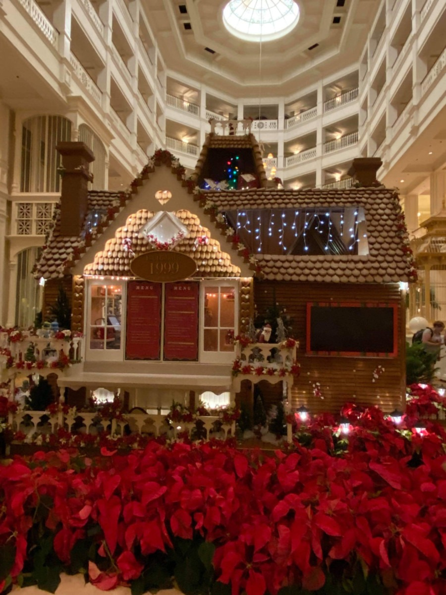 See Photos of the Gingerbread House at Disney's Grand Floridian Resort! #disneyholidays 3