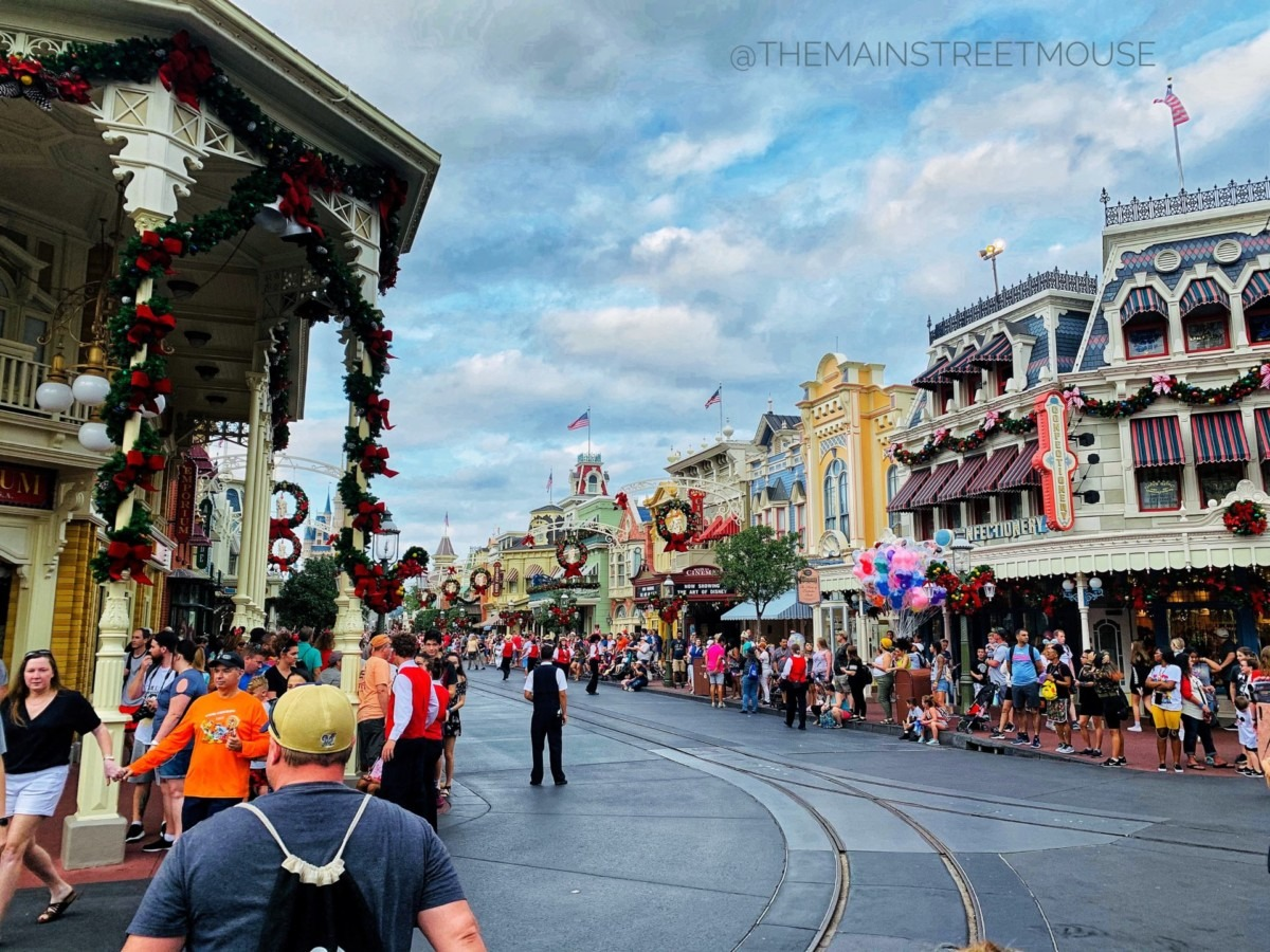 Christmas at the Magic Kingdom! #disneyholidays 4