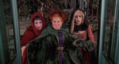 Bette Midler, Sarah Jessica Parker, Kathy Najimy confirm interest in Hocus Pocus sequel! 2