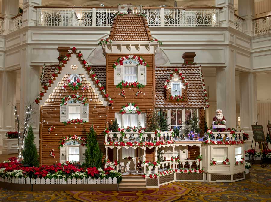 Holiday Display at Disney's Grand Floridian Resort & Spa