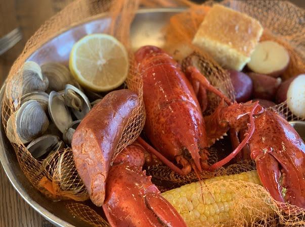 Paddlefish Holiday Specials, Disney Springs 1