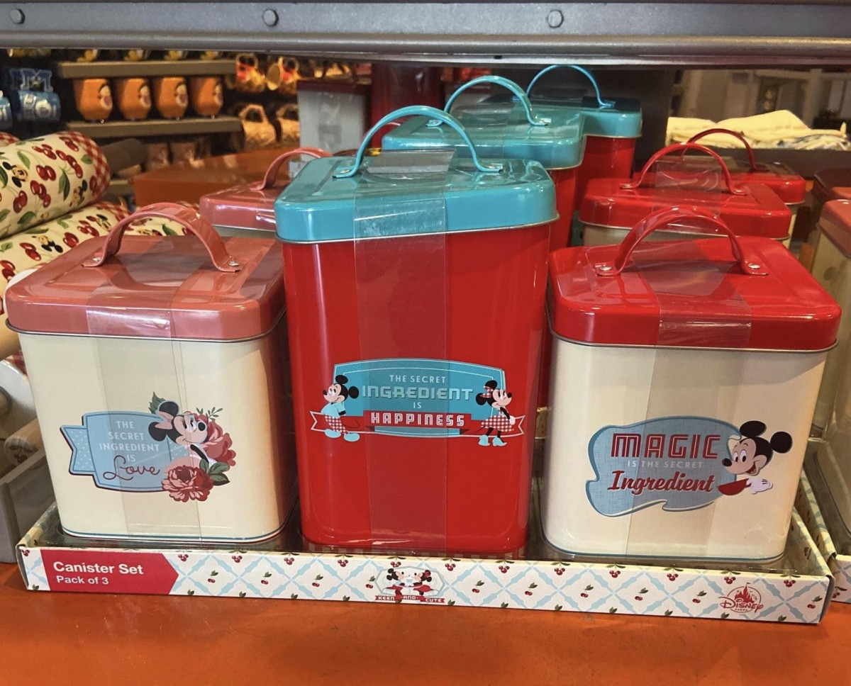 New Retro Mickey and Minnie Merch for Your Kitchen! 6
