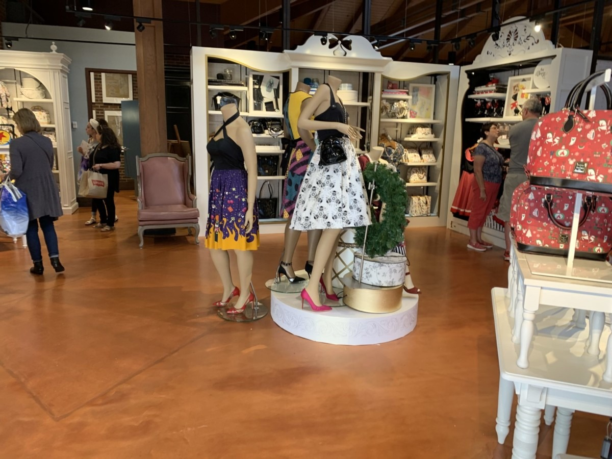 Stores Flip Flop At The Marketplace Co-Op In Disney Springs 7
