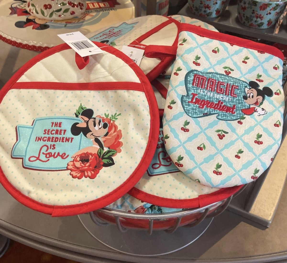 New Retro Mickey and Minnie Merch for Your Kitchen! 7