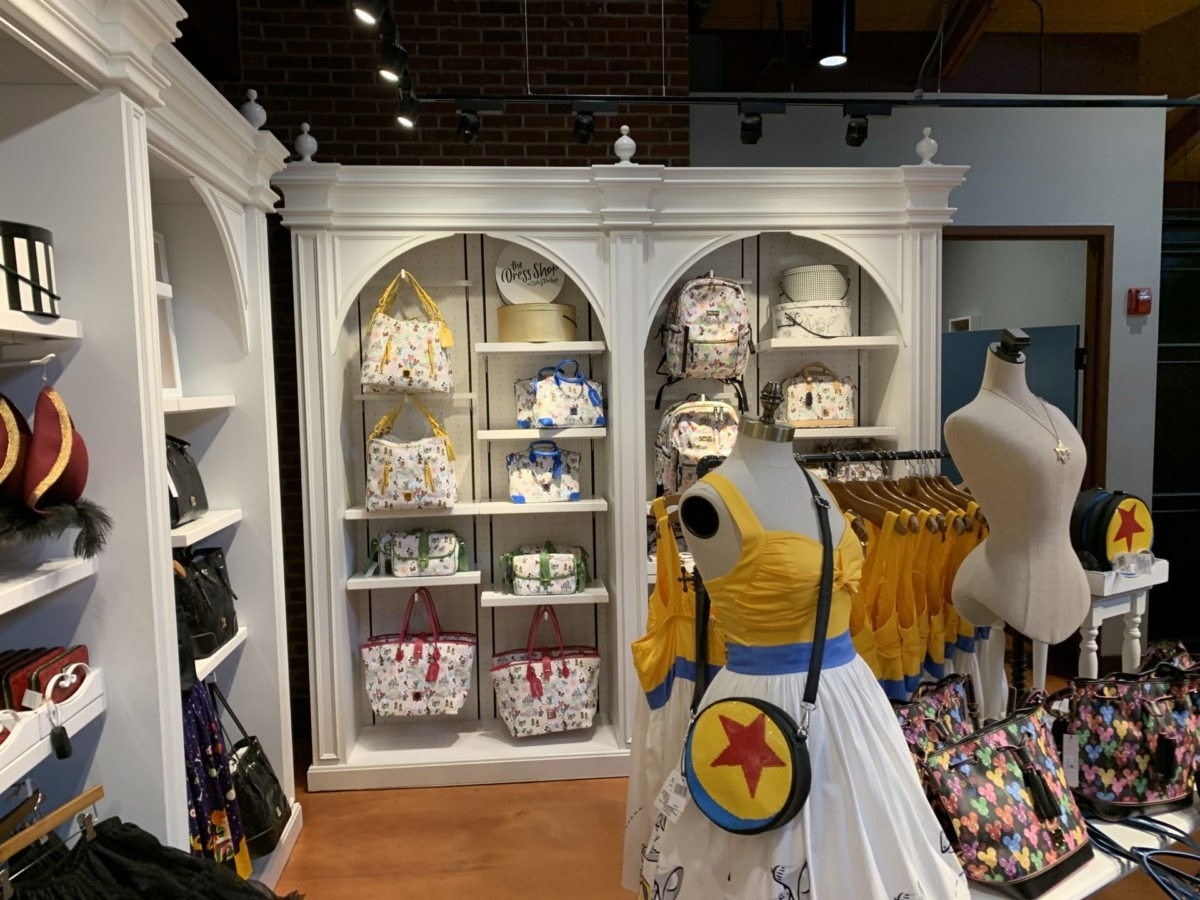 Stores Flip Flop At The Marketplace Co-Op In Disney Springs 8