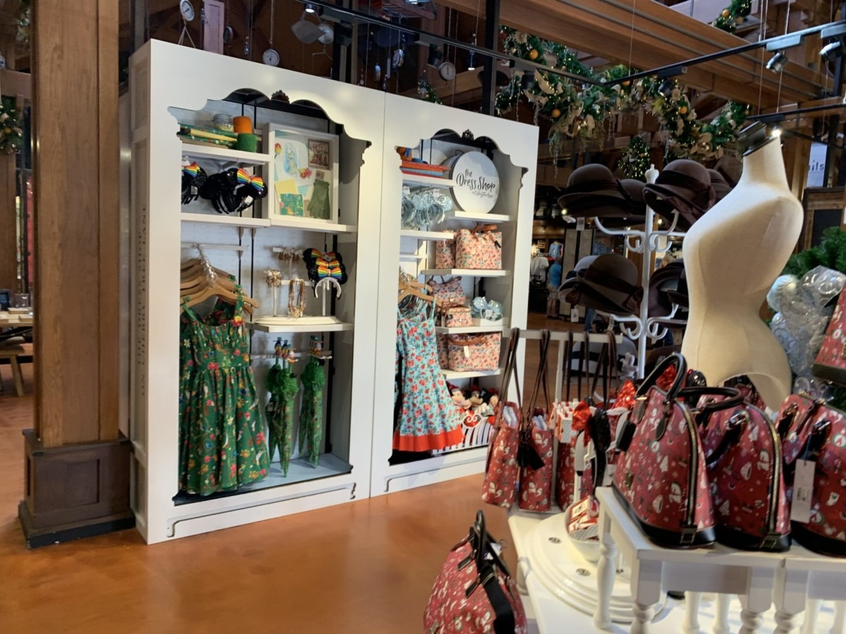 Stores Flip Flop At The Marketplace Co-Op In Disney Springs 5