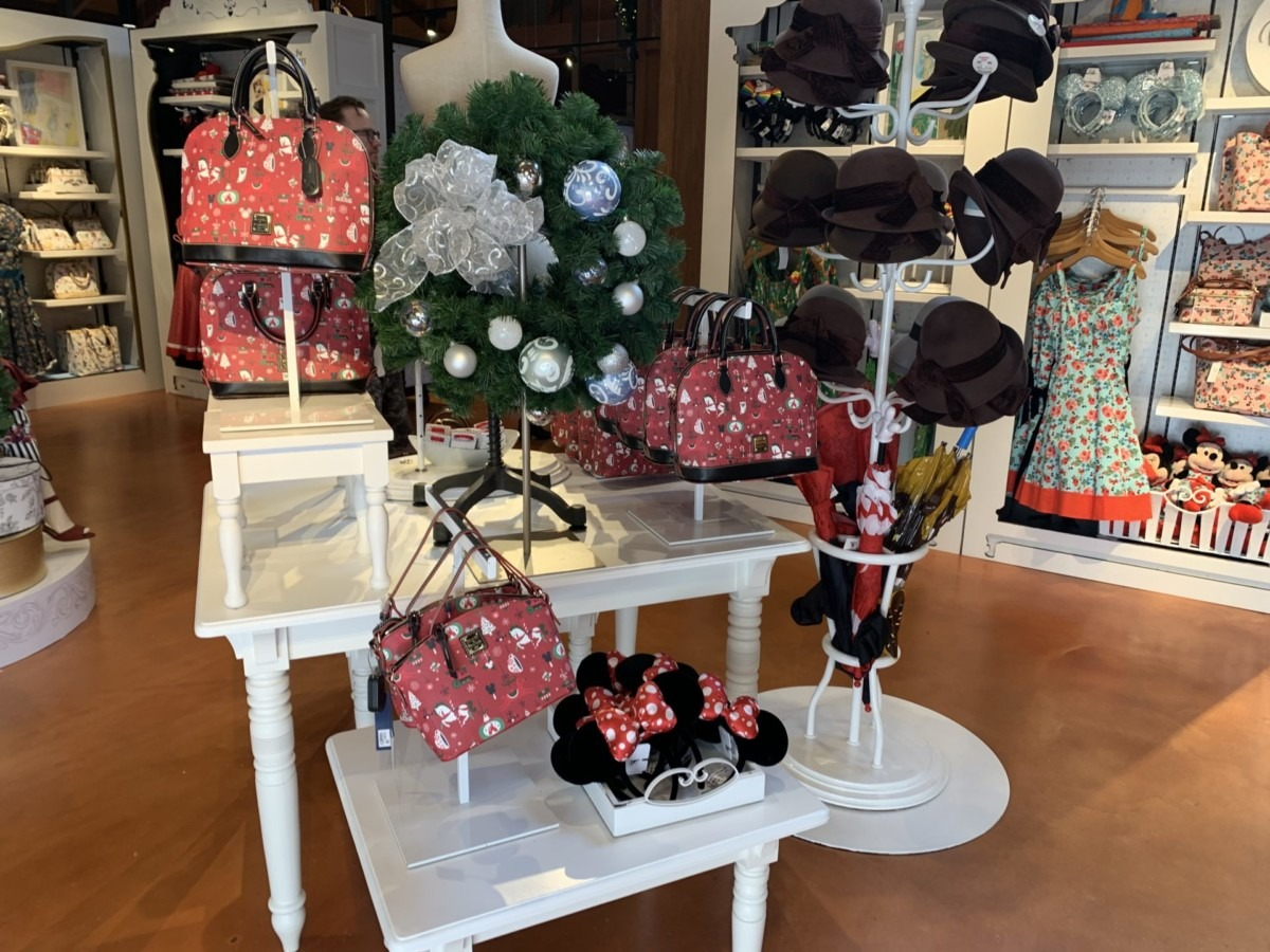 Stores Flip Flop At The Marketplace Co-Op In Disney Springs 6