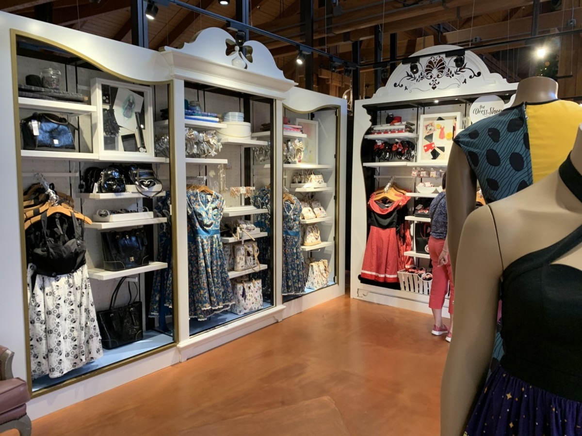 Stores Flip Flop At The Marketplace Co-Op In Disney Springs 4