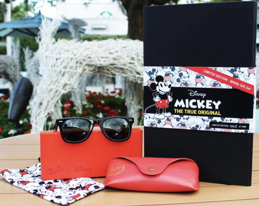 Mickey Mouse gift set from Sunglass Icon