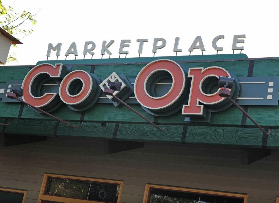 Stores Flip Flop At The Marketplace Co-Op In Disney Springs 1