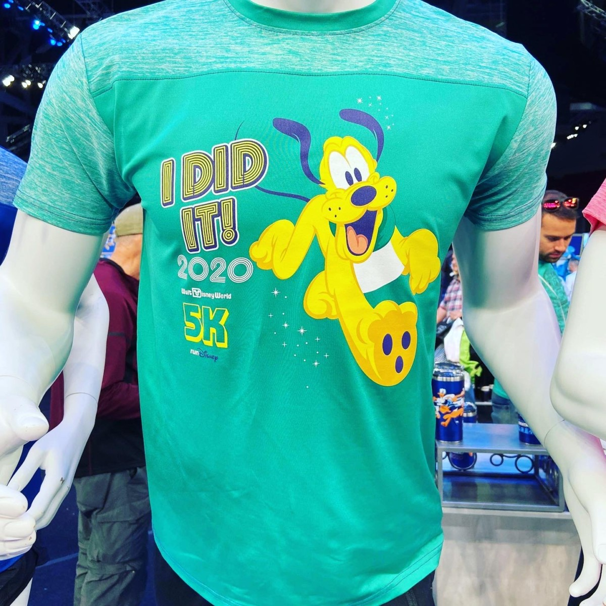 New Merchandise at the WDW Marathon Weekend Expo! 12