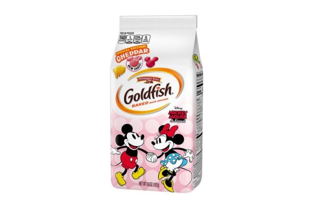Mickey Mouse Goldfish Are Back with a Brand New Minnie Cracker too! 1