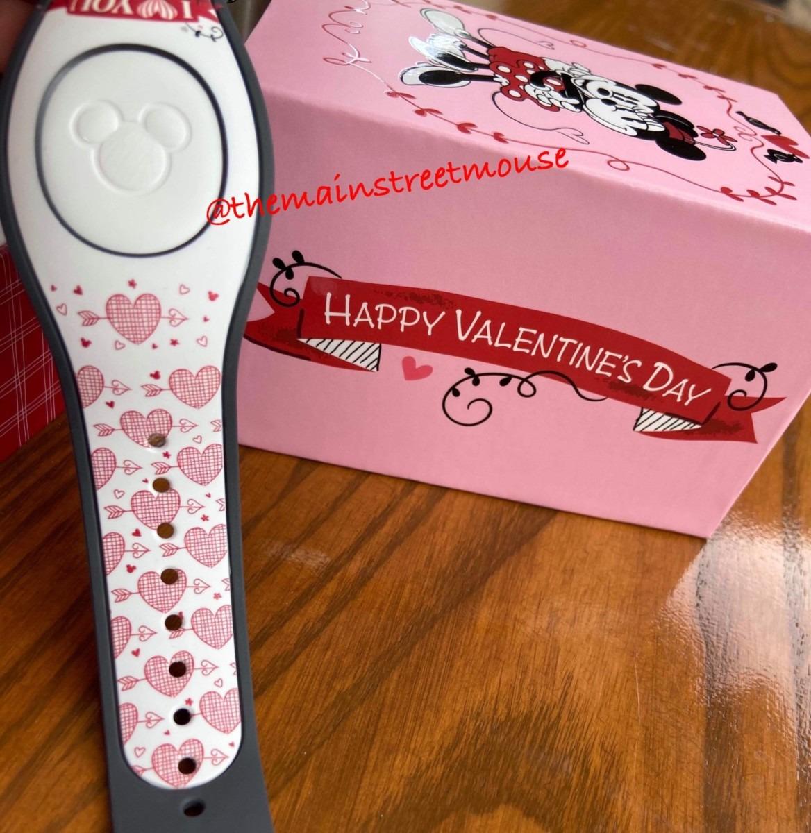 Mickey Loves Minnie Valentine MagicBands! 3