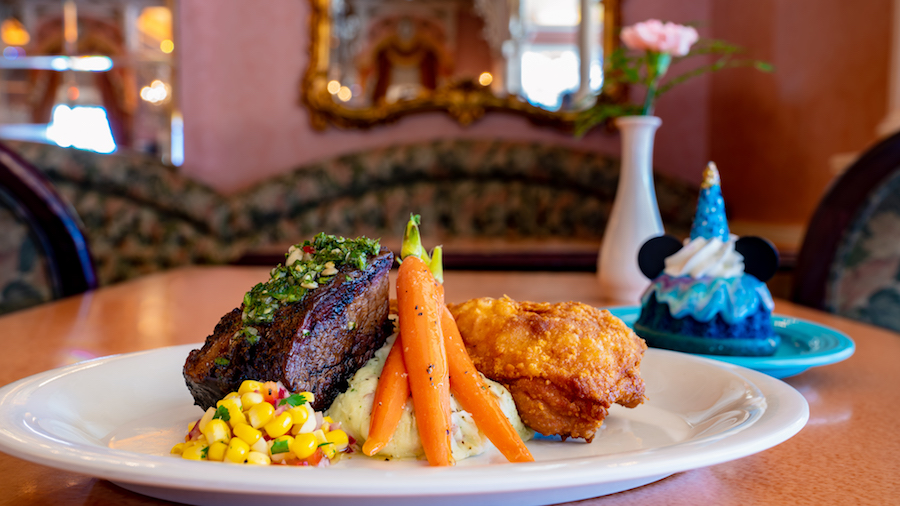 'Magic Happens' Parade Dining Package at Plaza Inn at Disneyland Park