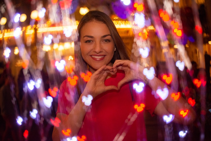 Valentine's Day photo option from Disney PhotoPass Service
