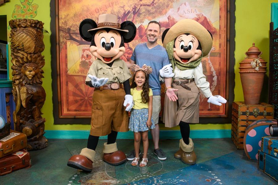 Valentine's Day photo option from Disney PhotoPass Service at Disney's Animal Kingdom