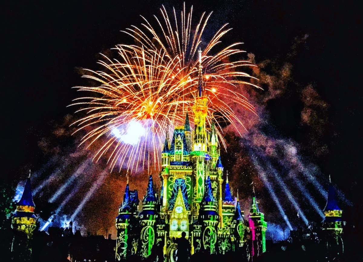 """Watch """"Happily Ever After Tonight"""" at 7pm EST #disneymagicmoments 2"""