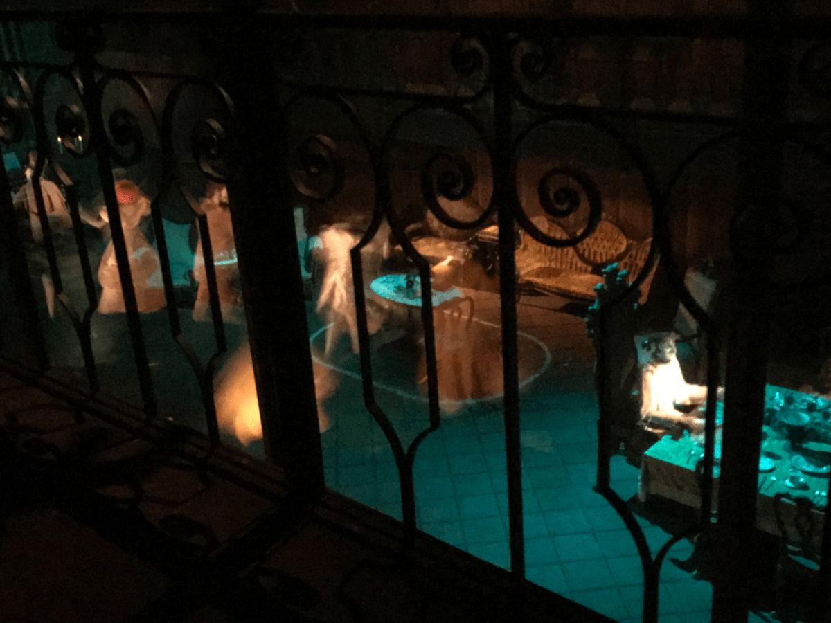 What Is The Pepper's Ghost Effect Inside The Haunted Mansion 2