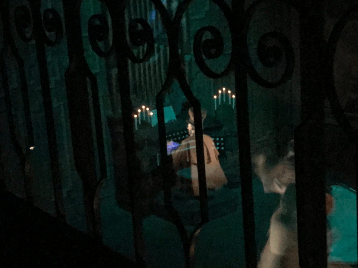 What Is The Pepper's Ghost Effect Inside The Haunted Mansion 3