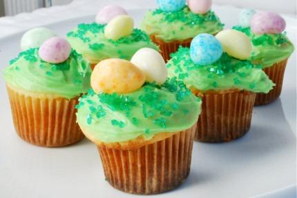 Cute Easter Egg Hunt Mini-Cupcakes 1