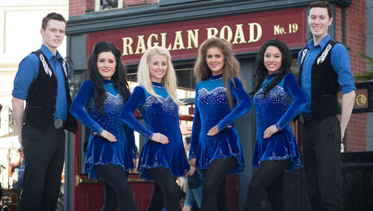 Enhance Family Fun and Date Nights with Raglan Reality TV 1