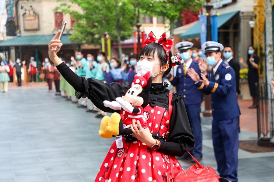 Guest at Shanghai Disneyland
