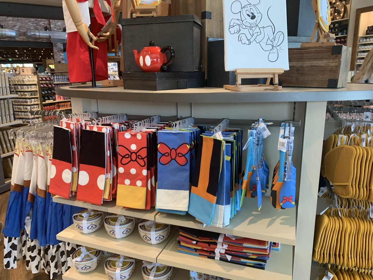 Character Fun for the Kitchen! #disneysprings 5