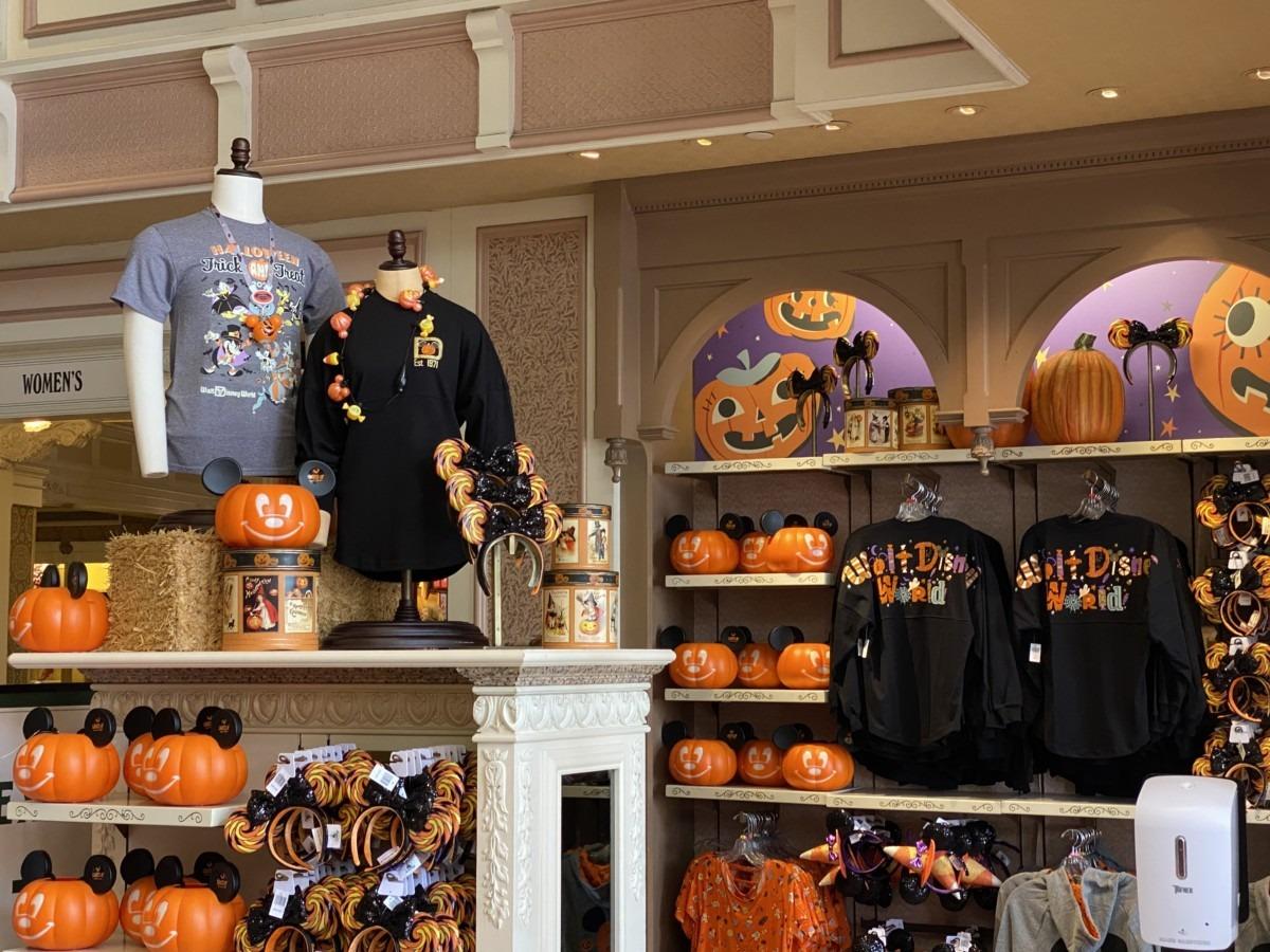 Halloween at The Emporium, Magic Kingdom 3