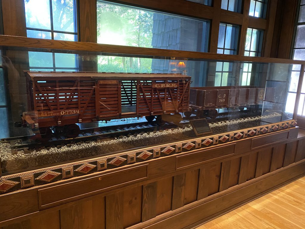 Boulder Ridge Railway display
